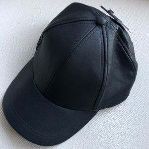 UNISEX PERFECT GUESS BLACK MANMADE LEATHER BALLCAP